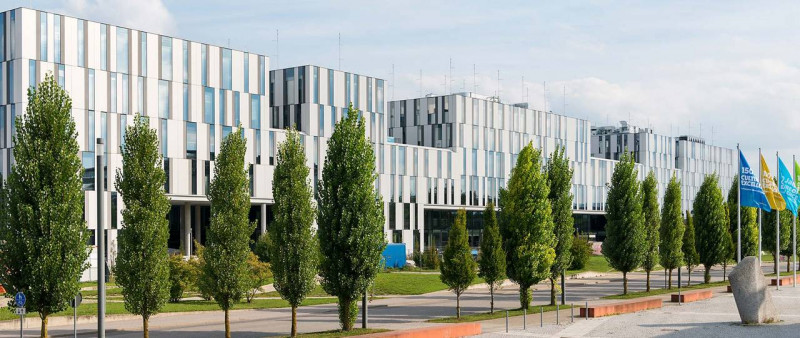 The new center of Garching's research campus: the 200-meter-long GALILEO e