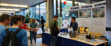 Open House Day information desk of the Heinz Maier-Leibnitz Zentrum (MLZ) in the