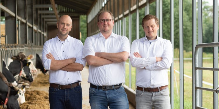 Sebastian Terlunen developed the FrachtPilot together with (left to right) Jan-H